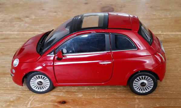 fiat 500 miniaturen schaal 1. Black Bedroom Furniture Sets. Home Design Ideas